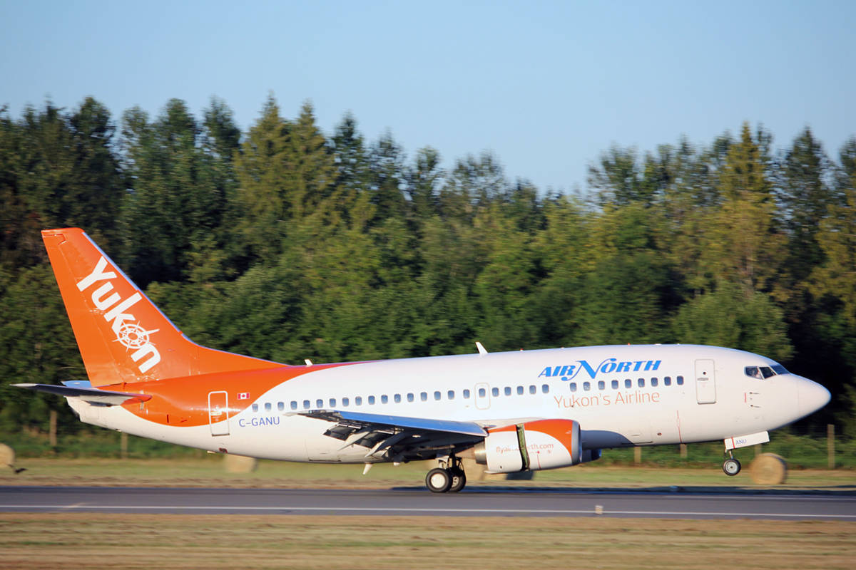 An Air North Boeing 737 lands in Nanaimo last summer. The airline has launched weekly regular scheduled passenger service from Vancouver to Whitehorse via Nanaimo, Kelowna, Prince George and Watson Lake, Yukon. (Nicholas Pescod/NEWS BULLETIN)