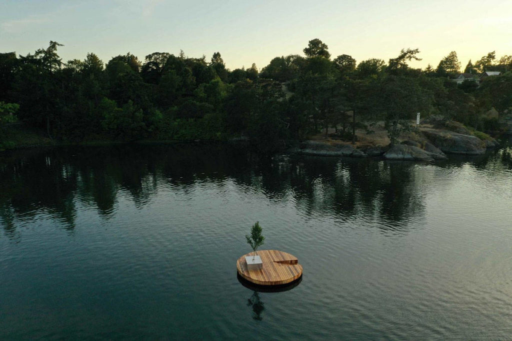 A new floating dock installed secretly in the Gorge waterway on July 15 is aiming to spark on a community conversation on rethinking how people use the harbour. (Project Albero/Aryze)