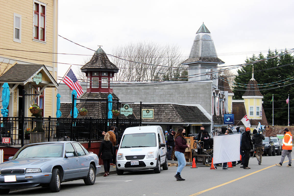 Willow Street between Mill Street and Victoria Street is a busy place Monday as filming for The Baker's Son gets underway. (Photo by Don Bodger)