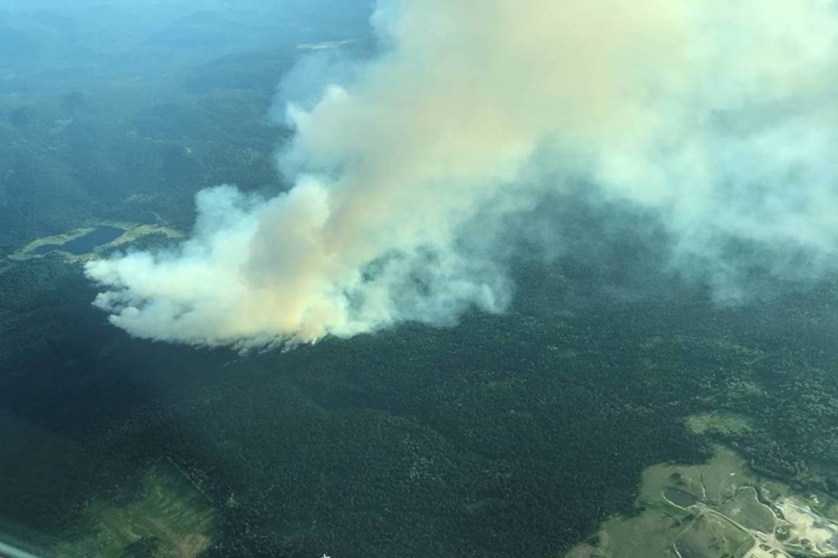 Thick, white smoke from the Sparks Lake blaze could be seen from Kamloops on June 28, 2021. (BC Wildfire Service/Twitter)