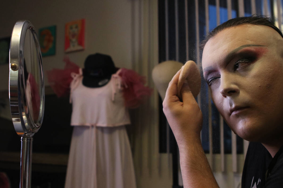 Kelowna drag queen Jenna Telz prepares her makeup before a show at the Friends of Dorothy Lounge on Oct. 1. (Aaron Hemens/Capital News)